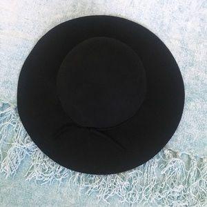 Accessories - Black felt wide brim floppy hat